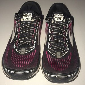 Brooks Ghost 10 Shoes